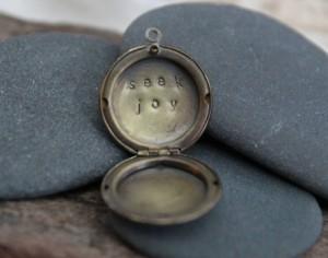 seek joy locket